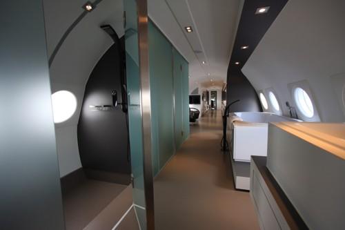 vliegtuigsuite bijzondere hotels hotelsuites. Black Bedroom Furniture Sets. Home Design Ideas